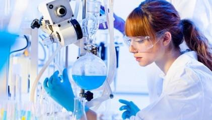 Laboratuvar çalışanı